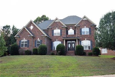 Matthews Single Family Home For Sale: 2900 Divot Court