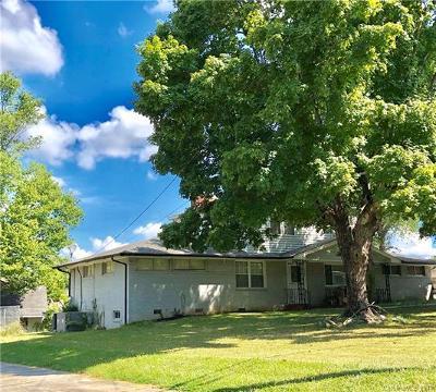 Matthews Single Family Home For Sale: 2125 Tarlton Drive