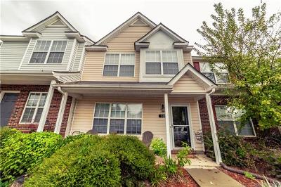 Fort Mill Condo/Townhouse Under Contract-Show: 311 Wilkes Place Drive