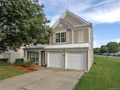 Single Family Home Under Contract-Show: 2704 Old Ironside Drive