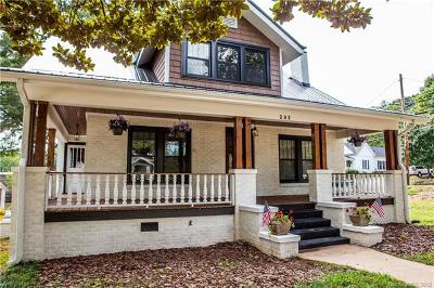 Mooresville Single Family Home For Sale: 232 W Wilson Avenue