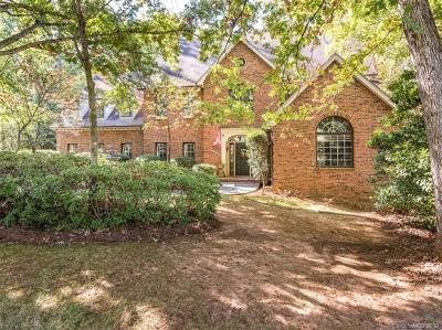 Charlotte Single Family Home For Sale: 10121 Balmoral Circle