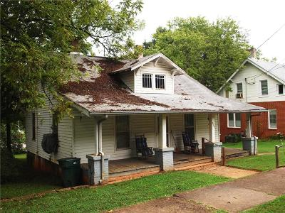 Newton NC Single Family Home For Sale: $37,900