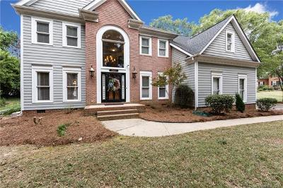 Charlotte Single Family Home For Sale: 15621 Woodland Ridge Lane