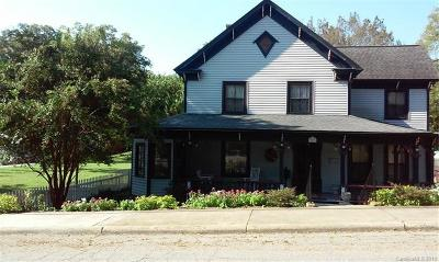 Single Family Home For Sale: 309 E Bank Street