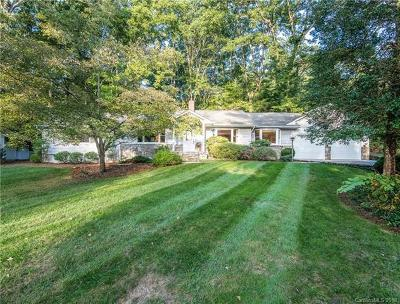 Hendersonville Single Family Home For Sale: 423 Hidaway Cove