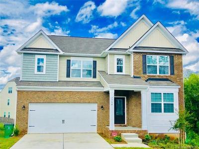 Berewick Single Family Home For Sale: 7704 Kelburn Lane