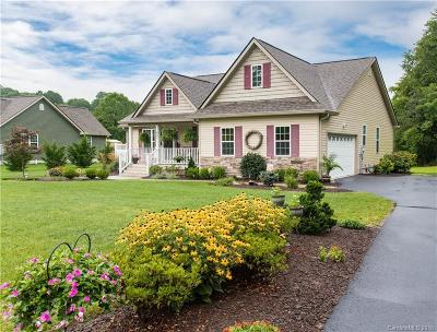 Hendersonville Single Family Home For Sale: 627 Clear Creek Road