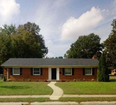 Charlotte Single Family Home For Sale: 6243 Covecreek Drive
