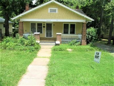 Charlotte Single Family Home For Sale: 3626 Tuckaseegee Road