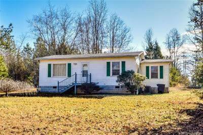 Statesville Single Family Home For Sale: 3155 Hickory Highway