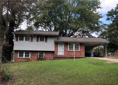 Hickory Single Family Home Under Contract-Show: 468 8th Street Drive