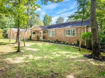 Hendersonville Single Family Home For Sale: 208 Heathcote Road