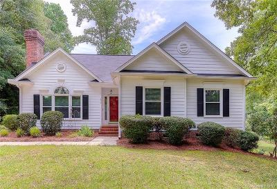 Fort Mill Single Family Home For Sale: 975 Pine Knoll Road