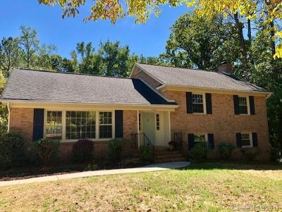 Charlotte Single Family Home For Sale: 2208 Ramblewood Lane