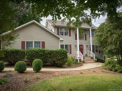 Asheville Single Family Home For Sale: 74 Forest Lake Drive