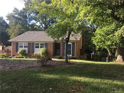 Charlotte Single Family Home For Sale: 1329 Woodberry Drive