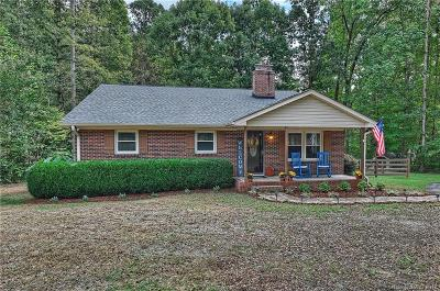York Single Family Home Under Contract-Show: 1624 S Paraham Road