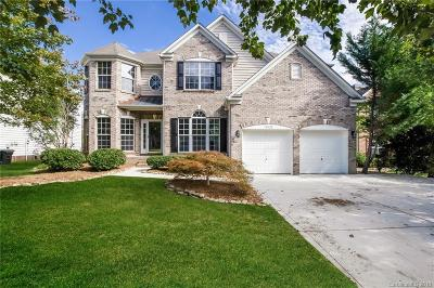 Single Family Home For Sale: 15420 Saxon Trace Court