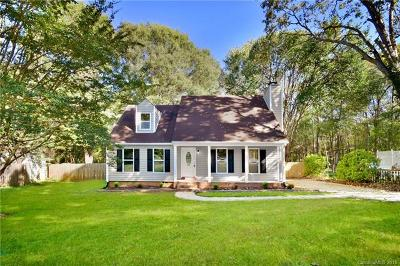 Mint Hill Single Family Home For Sale: 9609 Fir Knoll Road