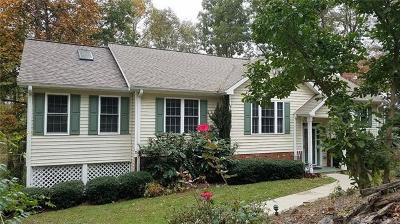 Hendersonville Single Family Home For Sale: 17 Rugby Knoll Drive