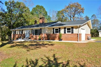 Hickory Single Family Home For Sale: 1638 26th Street Drive NE