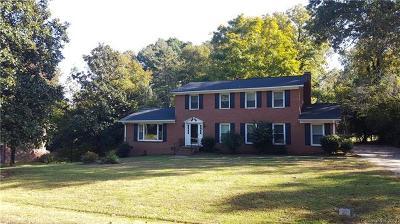 Charlotte Single Family Home For Sale: 7609 Linda Lake Drive #28