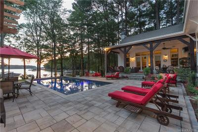 Single Family Home Under Contract-Show: 15817 North Point Road