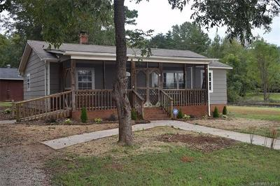 Lancaster Single Family Home For Sale: 1566 Cedar Pines Lake Road