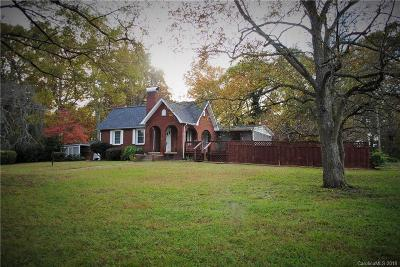 Kannapolis Single Family Home Under Contract-Show: 301 Spring Garden Avenue