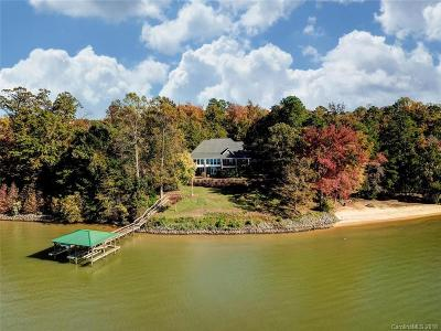 Charlotte Single Family Home For Sale: 16201 Cozy Cove Road