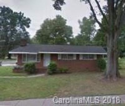 Charlotte Single Family Home For Sale: 1016 Vickery Drive