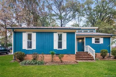 Charlotte Single Family Home For Sale: 8301 Barncliff Road