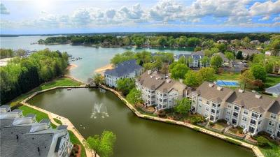 Cornelius Condo/Townhouse For Sale: 18736 Nautical Drive #303