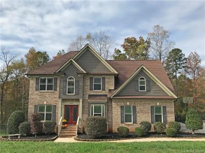 Mount Holly Single Family Home For Sale: 5124 Walnut Grove Court