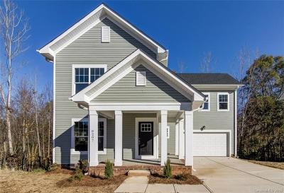 Huntersville Single Family Home For Sale: 8207 Dumphries Drive
