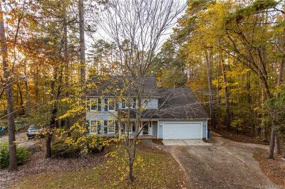 Matthews Single Family Home For Sale: 2729 Kirkholm Drive
