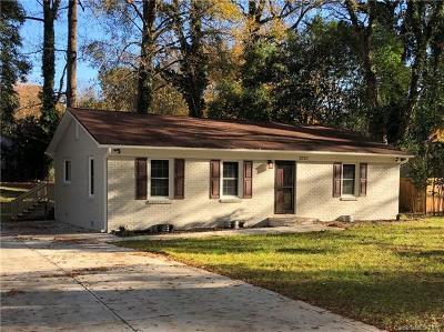 Charlotte Single Family Home For Sale: 3220 Sudbury Road