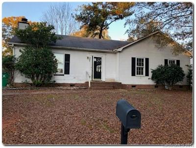 Single Family Home Under Contract-Show: 6907 Carriageway Lane