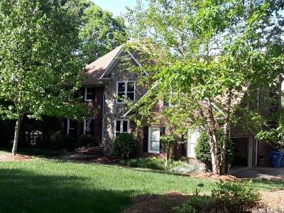 Matthews Single Family Home For Sale: 5013 Laurel Grove Lane