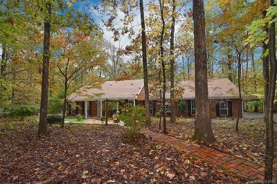 Single Family Home Under Contract-Show: 7812 Deer Trail