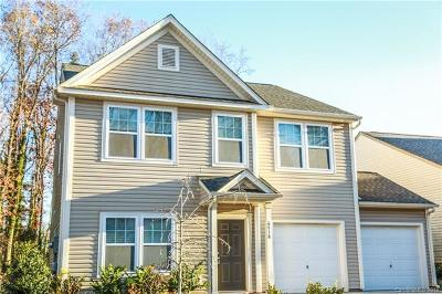Single Family Home For Sale: 6518 Covington Commons Drive