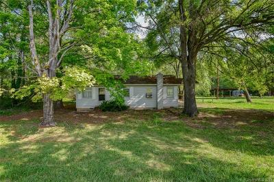 Single Family Home Under Contract-Show: 10311 Parkton Road