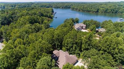 Troutman Single Family Home For Sale: 107 Deer Cove Lane