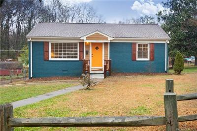 Charlotte Single Family Home For Sale: 1300 Meadow Lane