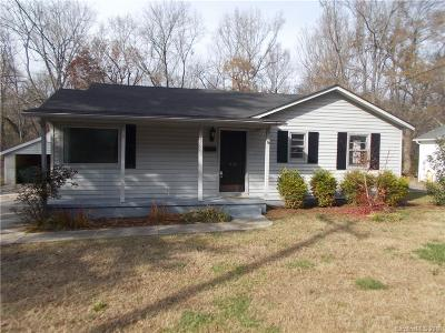 Lancaster Single Family Home For Sale: 810 Woodland Drive