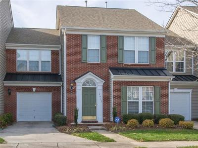 Huntersville Condo/Townhouse For Sale: 14412 Greenpoint Lane