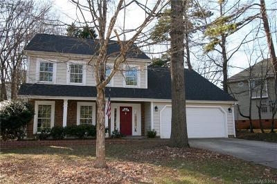 Matthews Single Family Home For Sale: 3018 Laurelwood Drive