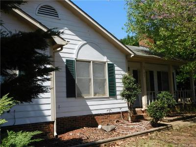 Single Family Home For Sale: 3707 Cedar Hill Drive