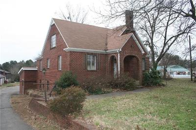 Hickory Single Family Home For Sale: 3518 Springs Road